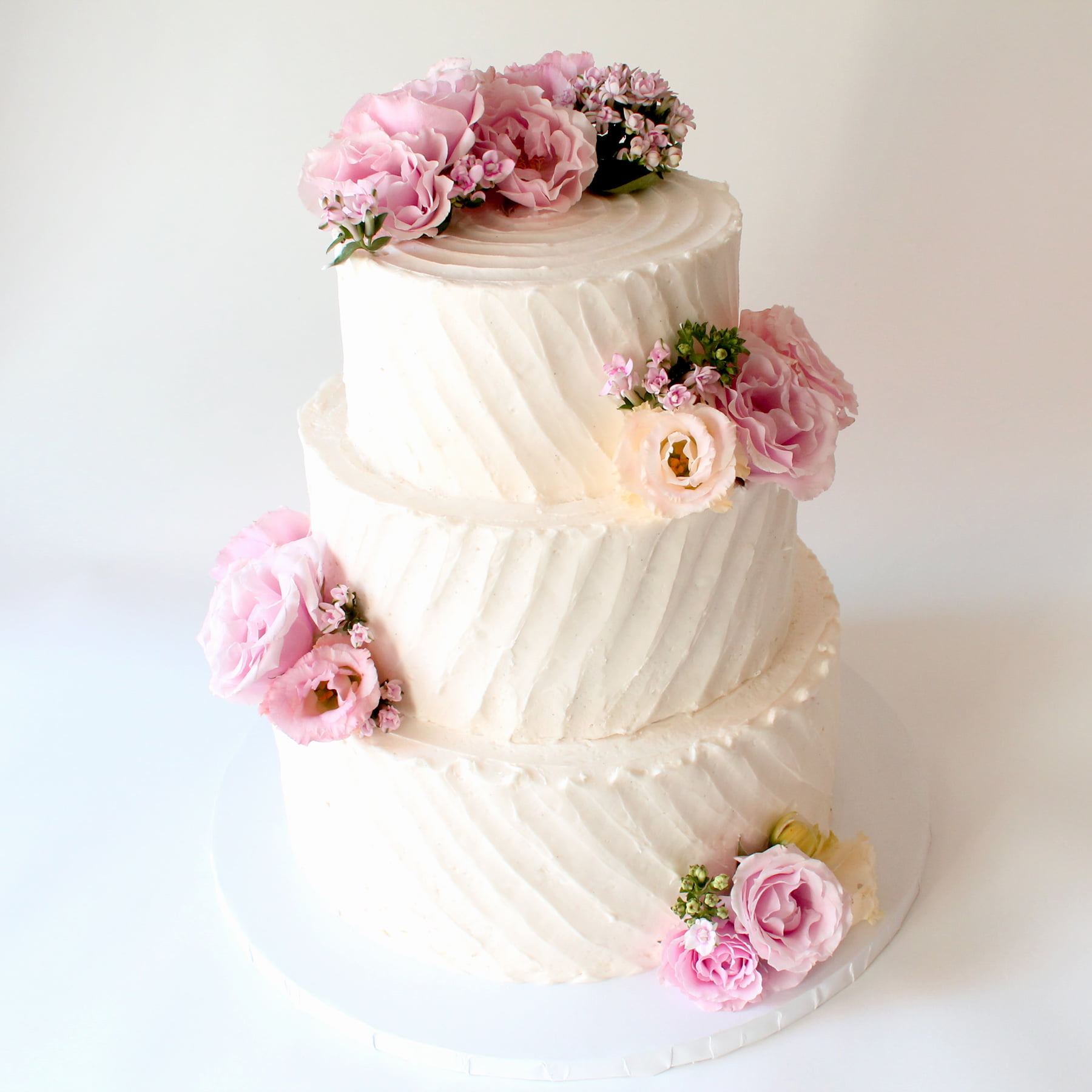 Simple, Pretty Wedding Cake Pink Flowers